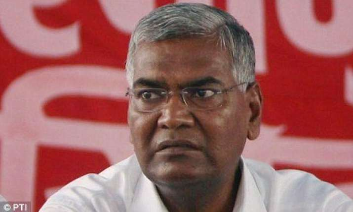 cpi attacks govt over live telecast of rss chief s speech