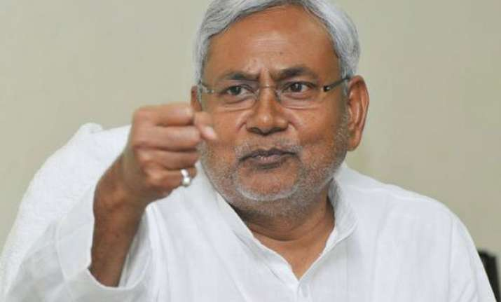 nitish justifies annulling manjhi cabinet s decisions