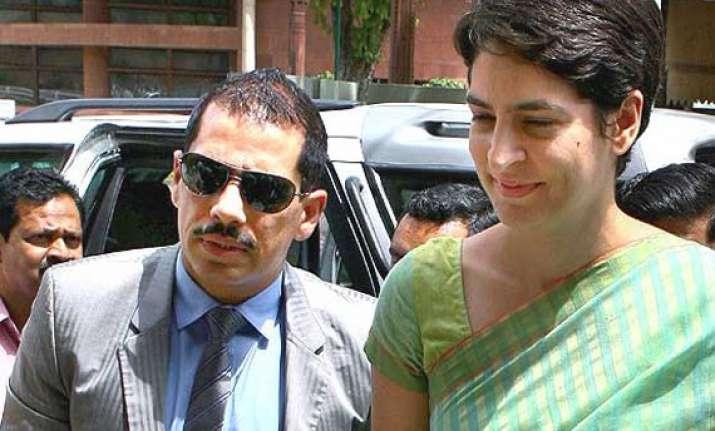 pm modi a habitual liar says congress on vadra controversy