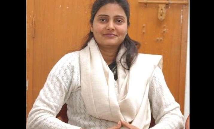 anupriya slams mother s move to make sister apna dal vp