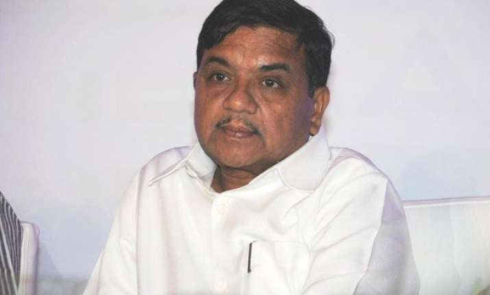 tasgaon voters tribute to rr patil wife wins by 1.12 lakh