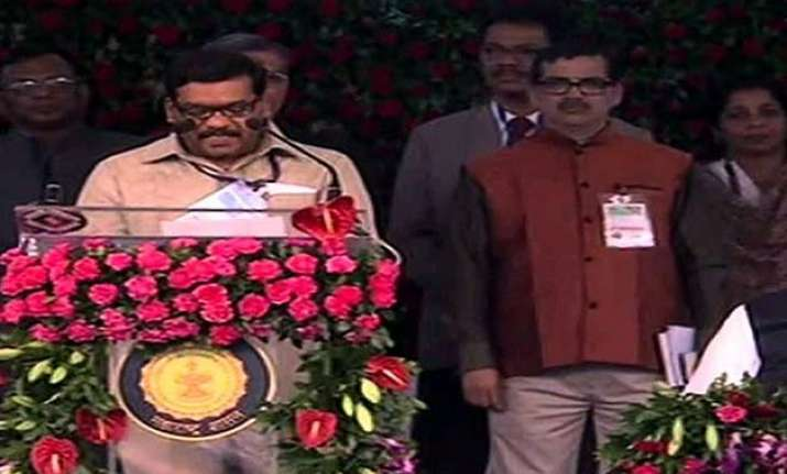 maharashtra ministers of state get additional portfolios