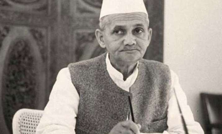 b day spl lal bahadur shastri india s 2nd prime minister