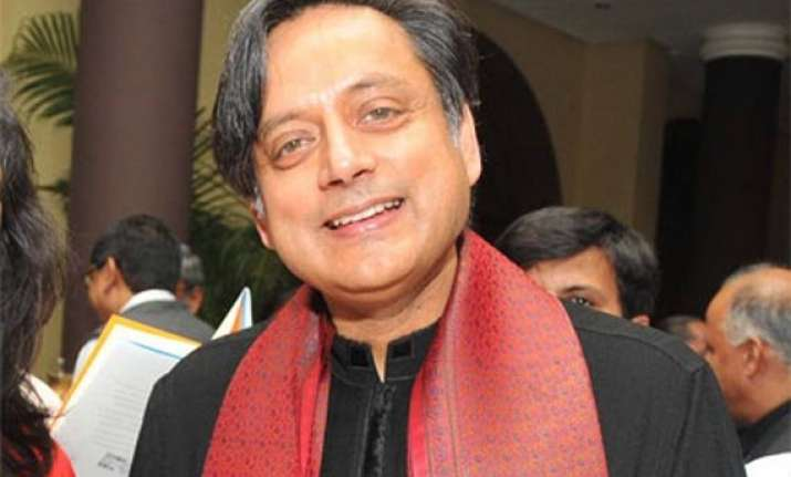 shashi tharoor takes dig at kpcc move to send report to