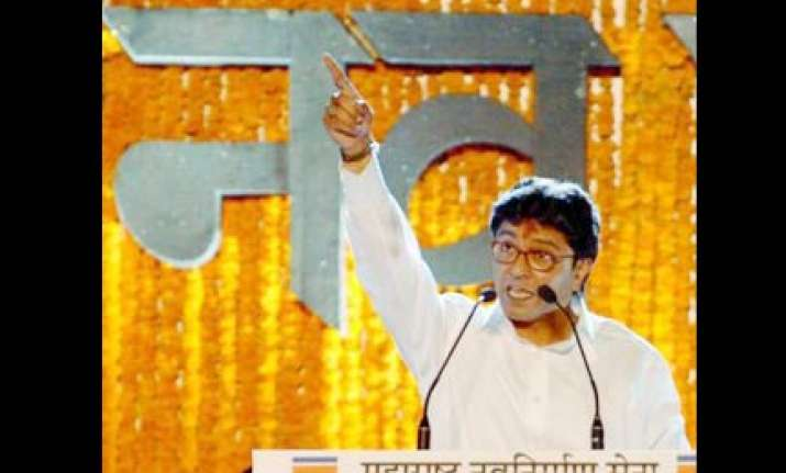 raj thackeray blames migrants for rise in malaria