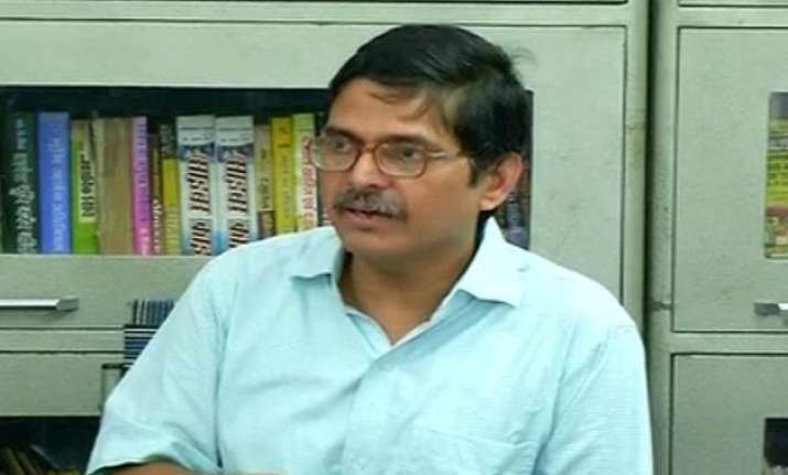 amitabh thakur meets mha officials seeks cbi probe into