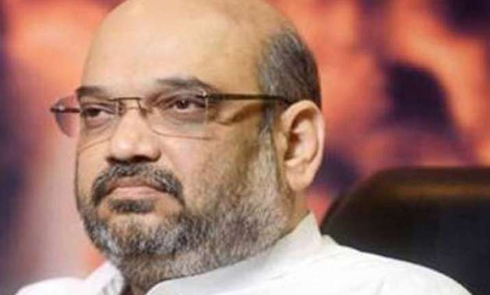 amit shah trapped in lift for 40 minutes rescued by crpf
