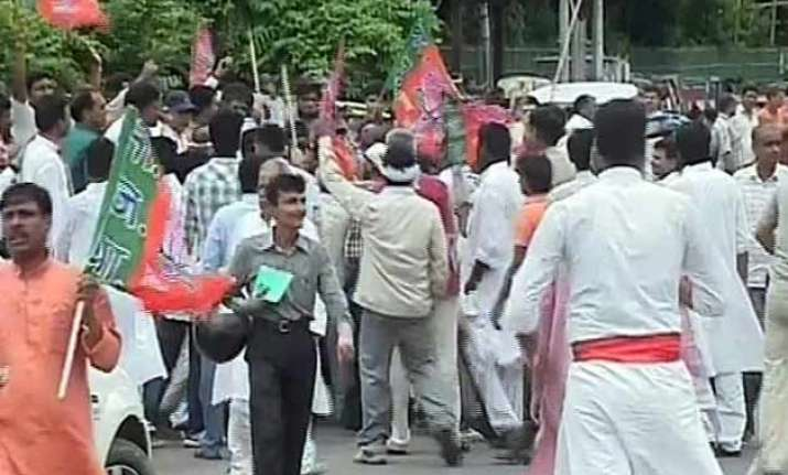 bihar polls bjp jd u workers protest over ticket denial