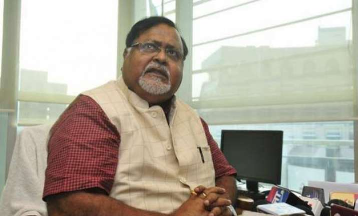 political colour not to influence flood relief partha