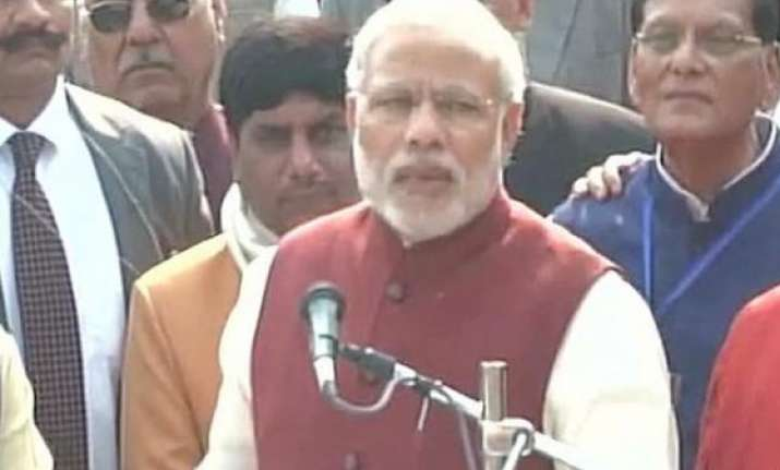 pm modi pushes forward clean india campaign