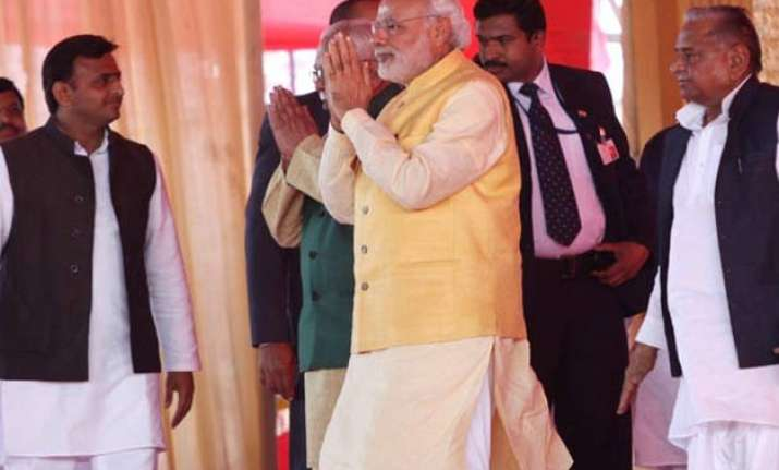 pm modi steals the show at tilak ceremony of mulayam s