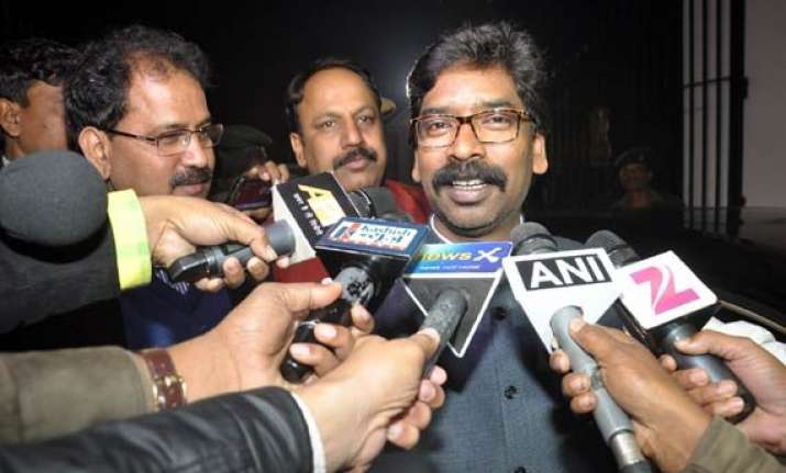 hemant soren accuses bjp of crushing tribal leadership in