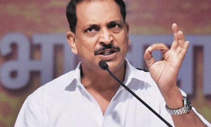 bjp distances itself from shanta kumar s remark on vyapam