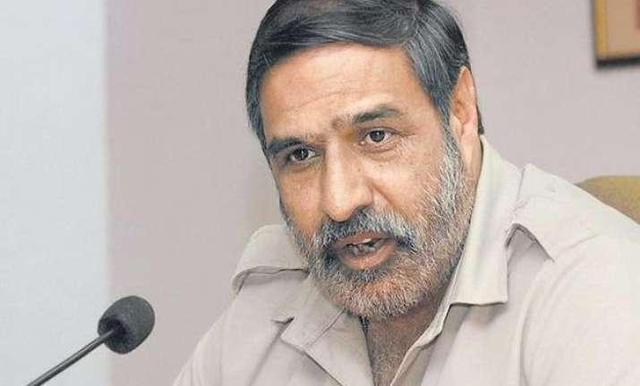 congress hits back says modi arrogant obdurate