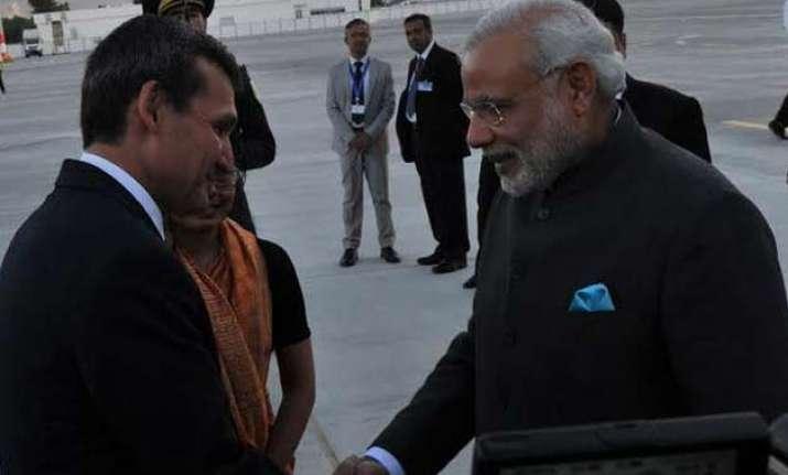 pm modi meets turkmen deputy pm in ashgabat