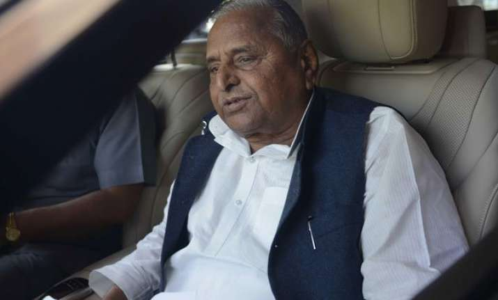 mulayam blames party workers for humiliating ls poll