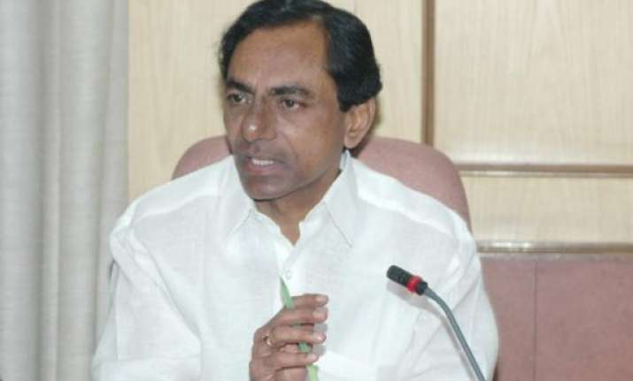 telangana cm assures cooperation to centre in plan panel