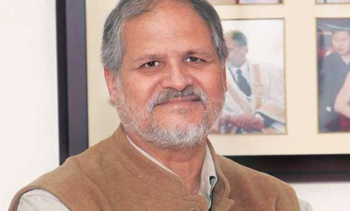najeeb jung asks dusib to open more night shelters for