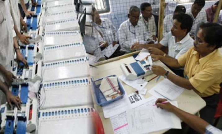 counting of votes begins in maharashtra