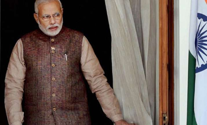 pm modi greets pakistan on its independence day