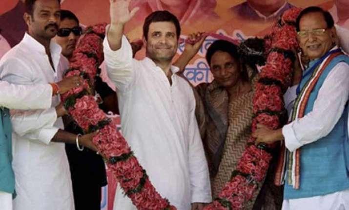 pm modi changed clothes 16 times on us visit rahul gandhi