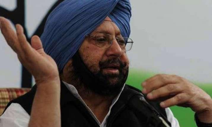amarinder accuses parkash singh badal of raking up