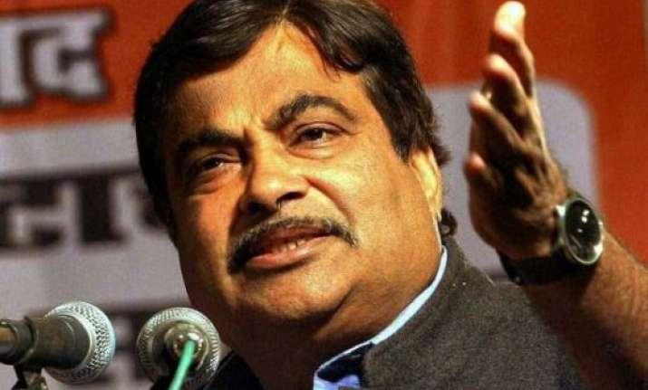 maharashtra polls nitin gadkari in row over alleged bribe