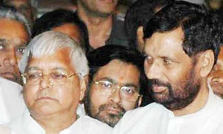 lalu paswan launch campaign for rabri s victory