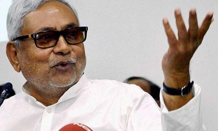 nitish kumar hits back at pm modi over bimaru remark