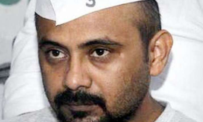 delhi police files fir against aap leader dilip pandey for