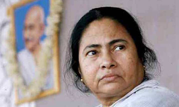 mamata banerjee playing with fire on illegal bangladeshi