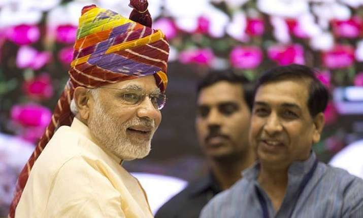 narendra modi to visit israel 1st by an indian pm