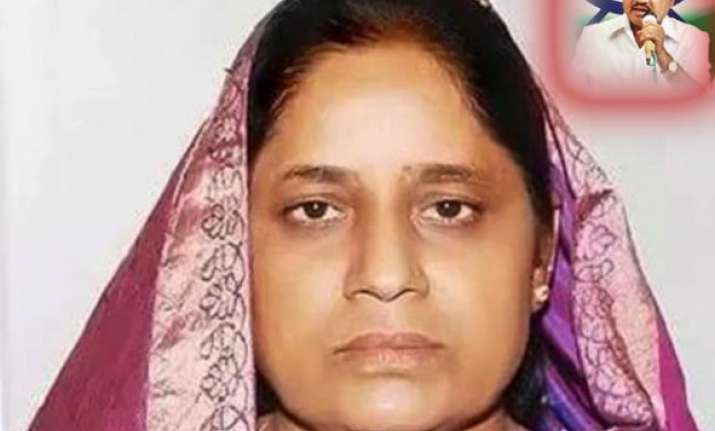 suman patil widow of former dy cm rr patil wins in