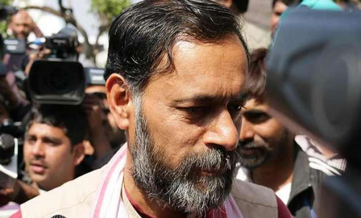 aap removes yogendra yadav from chief spokesperson post