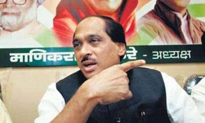 congress readies to take on maharashtra govt over drought