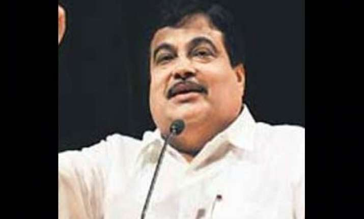 corruption in cwg projects had political backing alleges bjp
