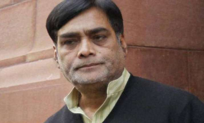 union minister ram kripal yadav apologises for trying to