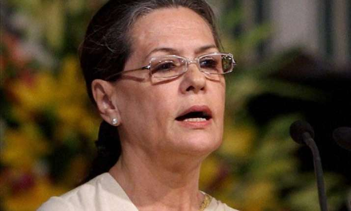 sonia gandhi attacks pm modi for maun vrat on party scandals