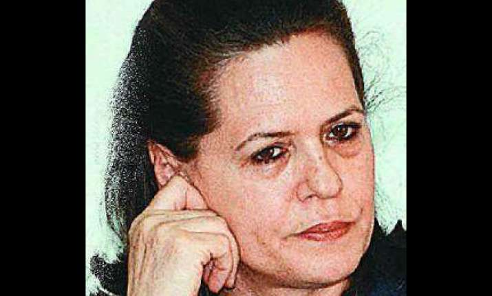 sonia pained at kashmir violence