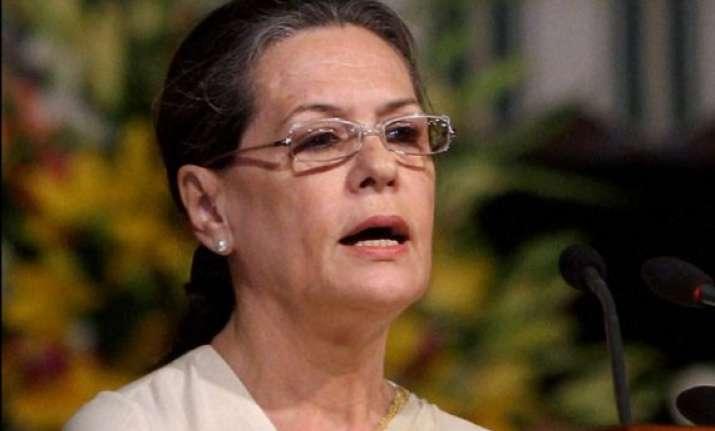 sonia gandhi expresses shock at patna stampede death