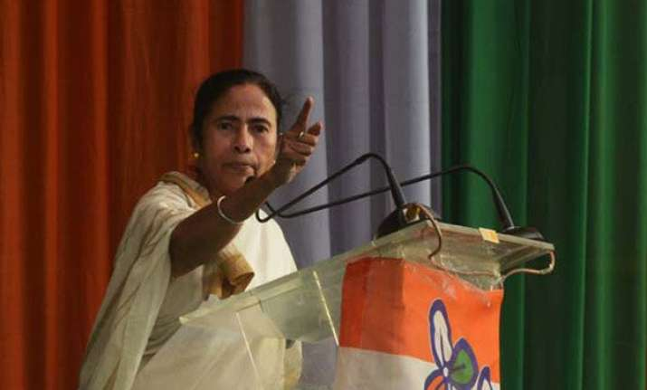 mamata assures businessmen to resolve problems fast