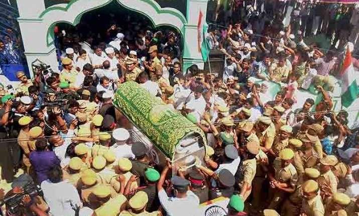 nation bids tearful adieu to people s president abdul kalam