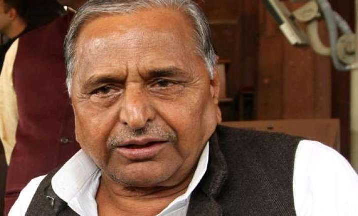 mulayam asks voters to check communal forces
