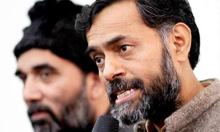 read yogendra yadav s fb message after expulsion from aap