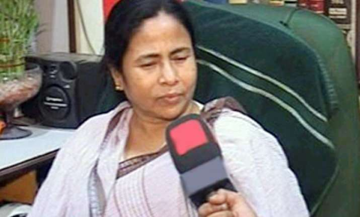 car follows mamata convoy tc claims murder conspiracy