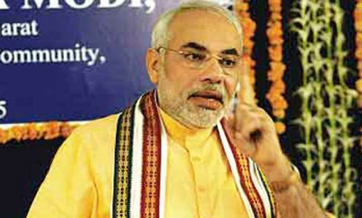 modi says again pm must apologize