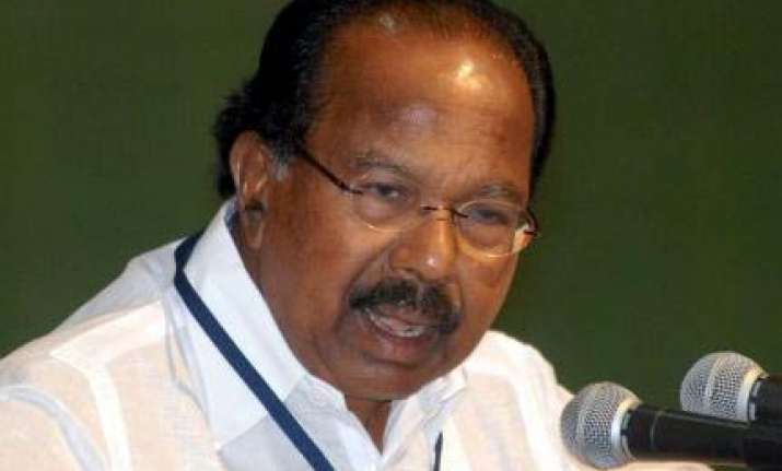 people should decide who is right in karnataka says moily