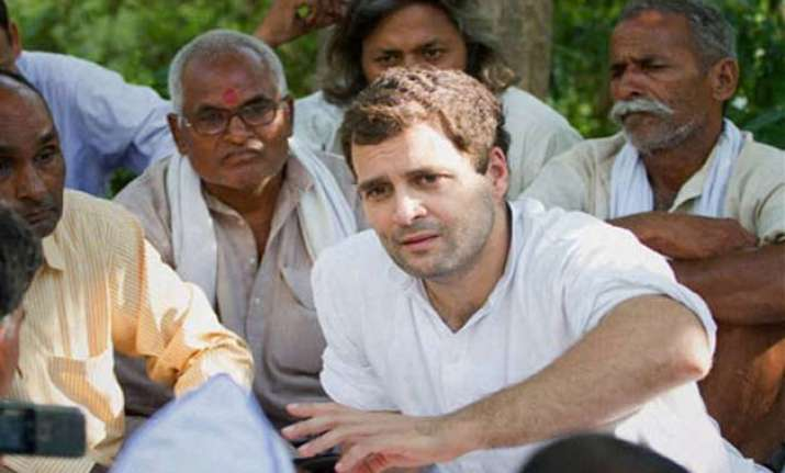rahul gandhi meets train accident victims family members
