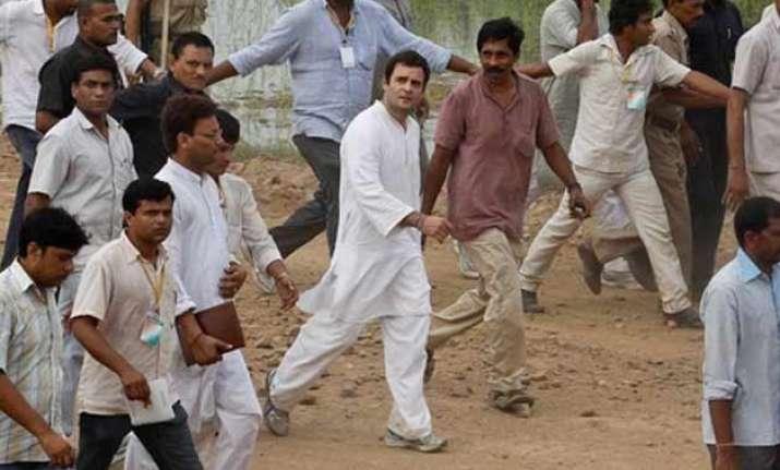 rahul gandhi arrives in telangana for padayatra