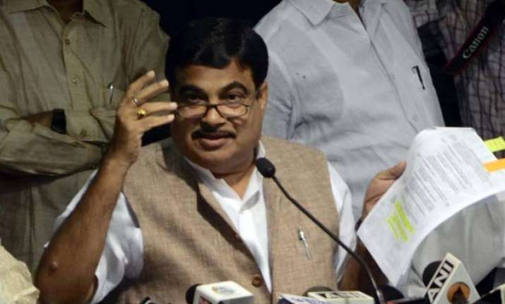 nitin gadkari appears in court quizzed by kejriwal lawyer